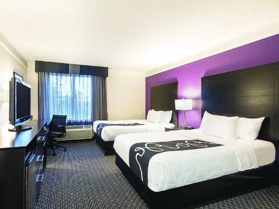 Utica, MI : Guest Room