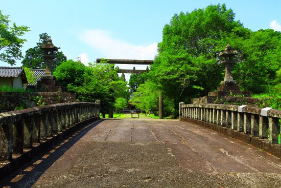 Hitoyoshi, Japonia: 石橋ごしに展望
