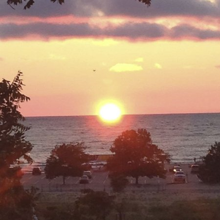 Silver Beach County Park: Awesome sunsets!