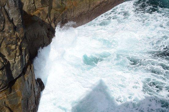 Albany, Australia: The crashing waves down below