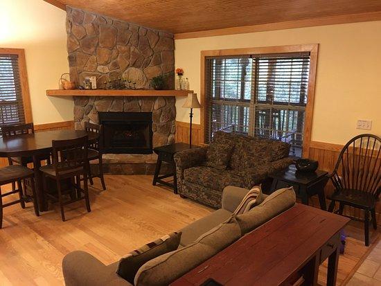 Mayo, FL: Living Room