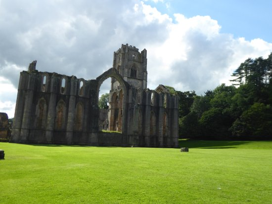 Fountains Abbey and Studley Royal Water Garden: The remains of the large window at the end of the abbey