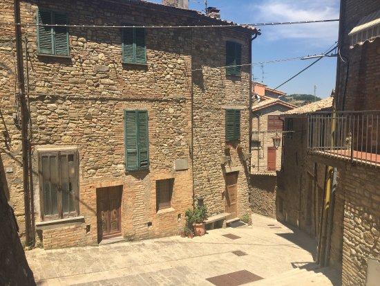 Montone, Italy: photo2.jpg