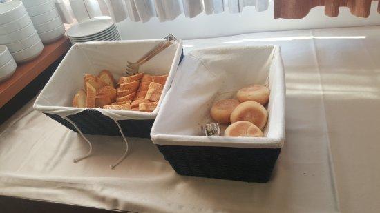 Hotel Rotondo: bread selection