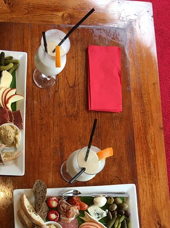Whitianga, Nueva Zelanda: Not so mini platters for three