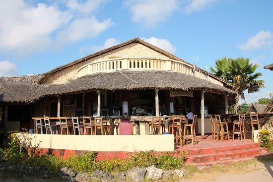 Kipepeo Beach Village: Bar-restaurant