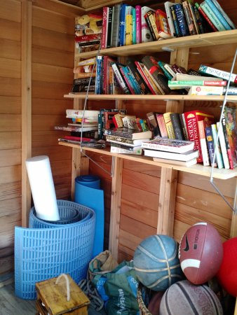 Inverness, CA: Book and toy shed