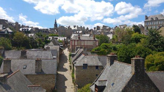 Dinan, França: Vue des remparts