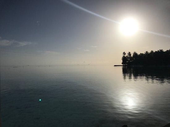 Diamonds Athuruga: Vue depuis la Water Villa 2.