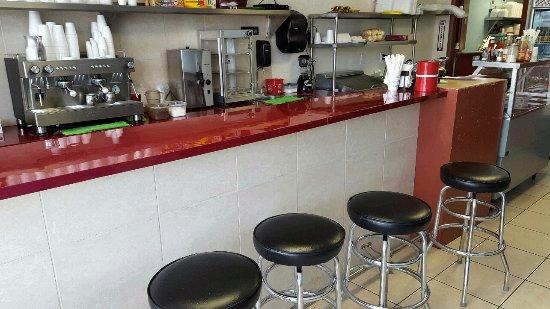 Dania Beach, FL: Counter seating area