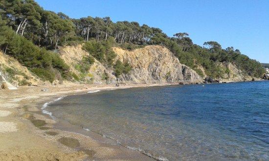 Plage des Bonnettes: La plage en descendant la route