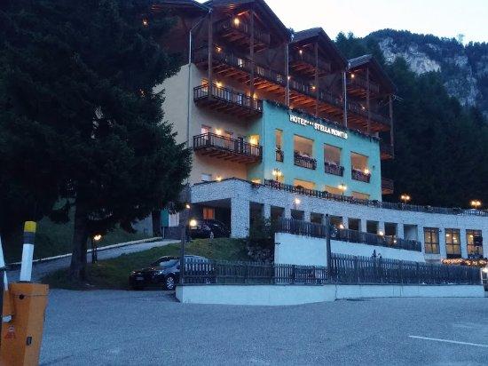 Hotel Stella Montis: Vista dell'Albergo