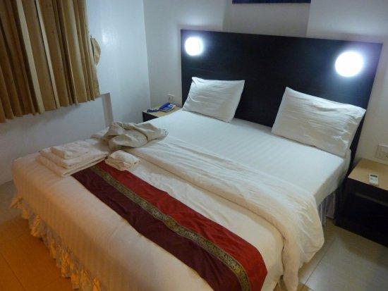 Modern Thai Hotel Photo