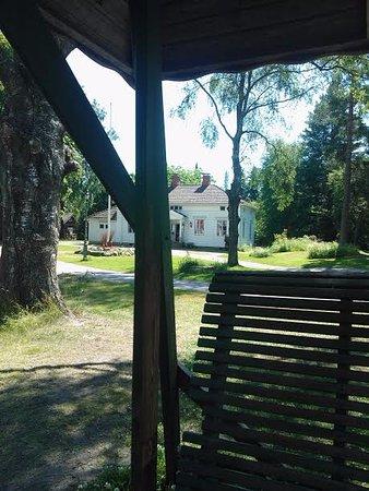Tuusula, Suomi: Vanha pihapiiri ja kaksoiskeinu