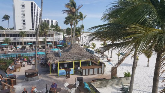 Outrigger Beach Resort: View  over the bar from our room