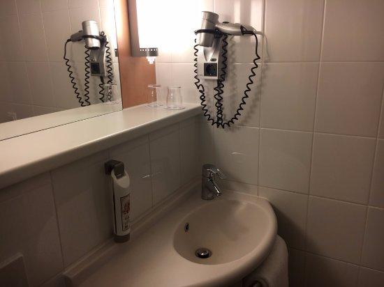 Kelsterbach, Deutschland: バスルーム