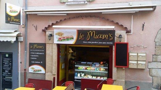 Le miam 39 s gr oux les bains restaurant avis num ro de for Bains les bains restaurant