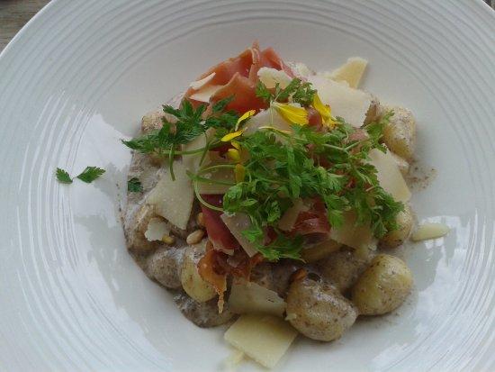 Pegomas, Frankrijk: Gnocchi à la truffe et au jambon cru