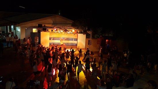 Cittadella del Capo, Ιταλία: Balli di gruppo