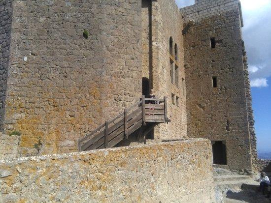 Cucugnan, Prancis: Arrivée au château au bout du chemin