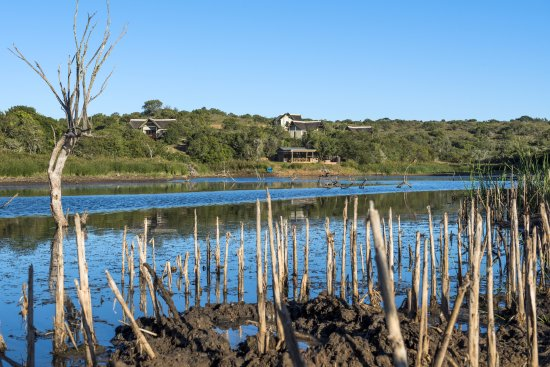 Eastern Cape, Sudáfrica: Dam with Cottages