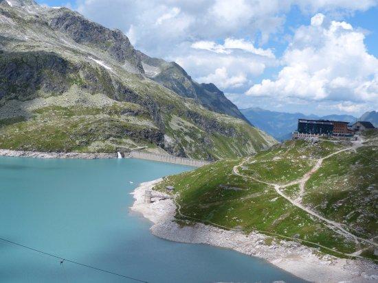 Uttendorf, Austria: Zicht op Weissee en Rudolfshutte