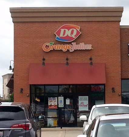 Elgin, IL: front of & entrance to Dairy Queen/ Orange Julius