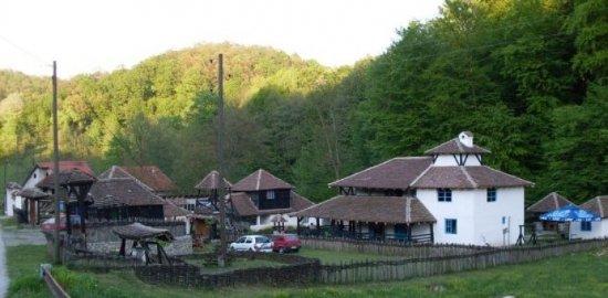 Loznica, Serbia: Etno selo Tronoski vajati