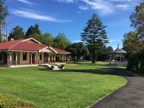 Government Gardens : Te Runanga Tea Pavilion and Ticket Office