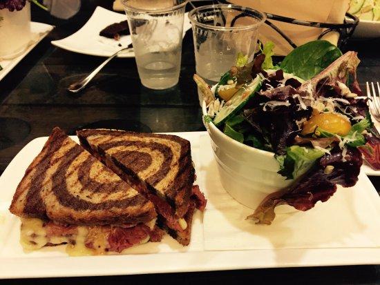 Apple Pie Bakery Cafe: photo1.jpg