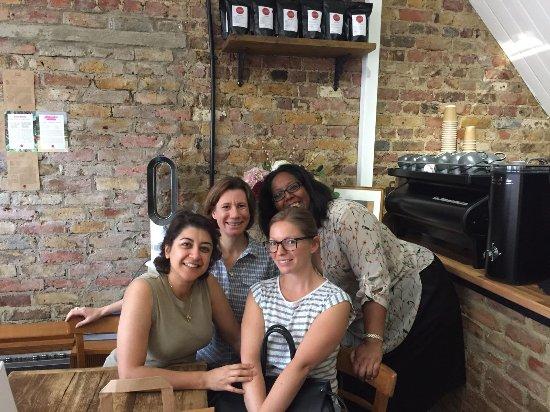 Hampton Hill, UK: Saturdays = best friends + coffee + cake