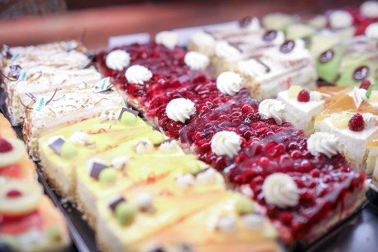 Uzwil, Suisse : Cafe-Confiserie mit Konditorei, Mittagessen, Sonntagsbrunch, Patisserie, Torten, Pralinen