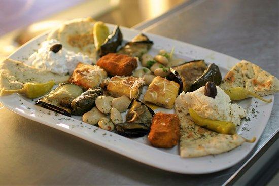 Julich, Alemania: Nicht nur als Vorspeise, auch als Hauptgericht ist unser Vorspeisenteller sehr beliebt.