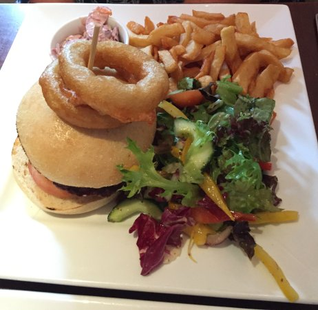 Workington, UK: Fab burger with amazing chips.