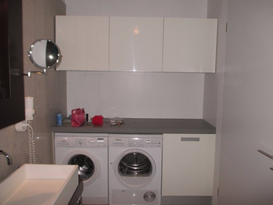 Washer/dryer in the bathroom - Picture of Black Pearl - Reykjavik ...