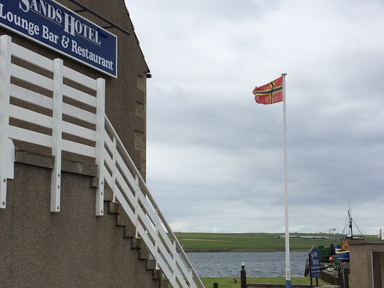 Burray Village, UK: The Sands, Orkney flag and loch