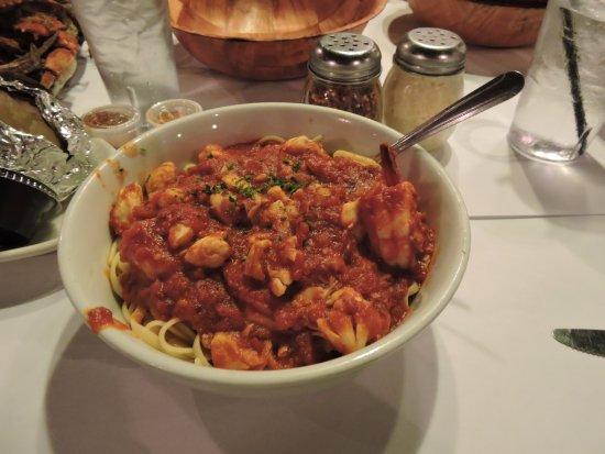 Lantana, FL: Shrimp Diablo, hot and spicy and sooooo YUMMMMMMY.