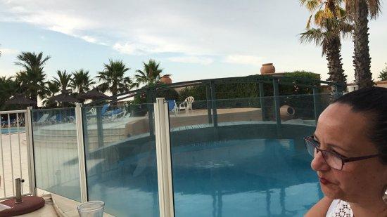 la lagune : Dîner près de la piscine