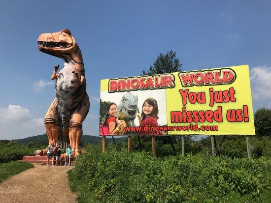 Dinosaur World: photo1.jpg