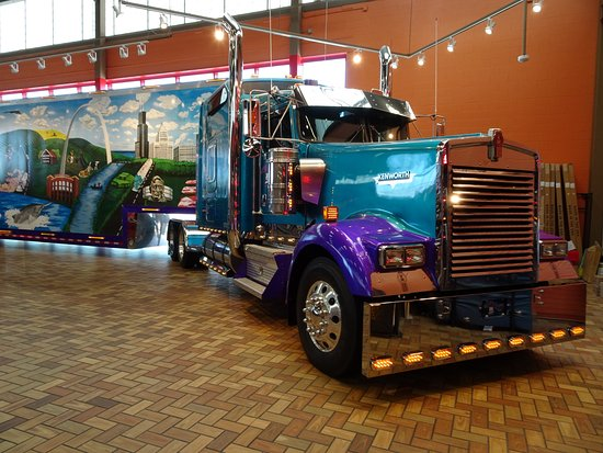 Petro Joplin Mo >> The Mother Road Semi Truck Picture Of Joplin 44 Truckstop