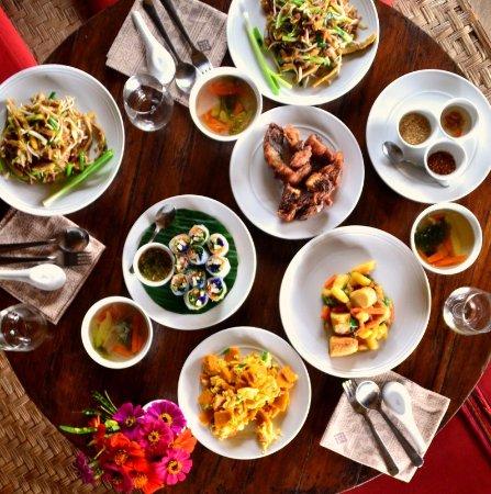 Lisu Lodge: Essen