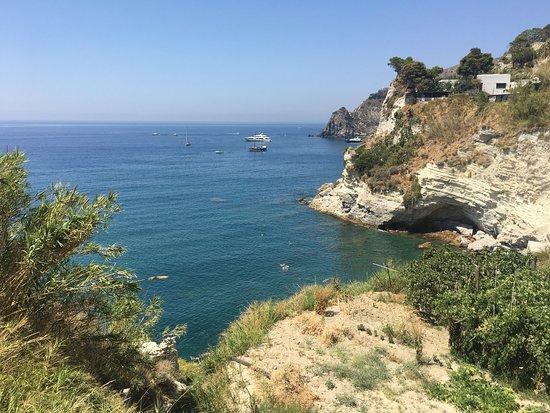 Sant'Angelo, İtalya: Spiaggia di Cava Grado