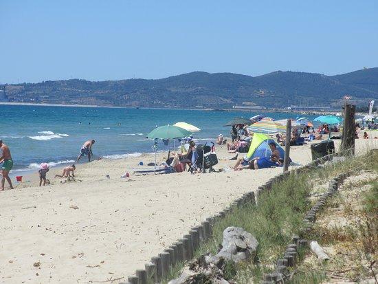 Piombino, Italy: Zon zee strand ....