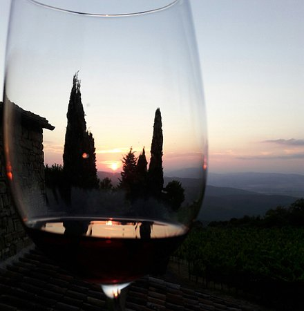 Montalcino, İtalya: Sunset Tasting - it doesn't get better than this!