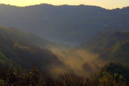 Mompeo, Italien: Valley of the Farfa