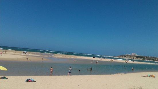 Odemira, Portugal: Lagoa de cá, oceano de lá