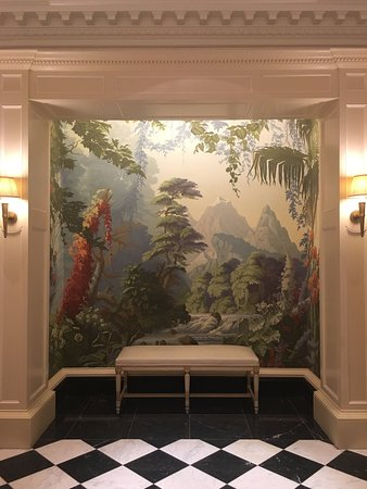 The Savoy: Beautiful wall paper in the ladies bathroom