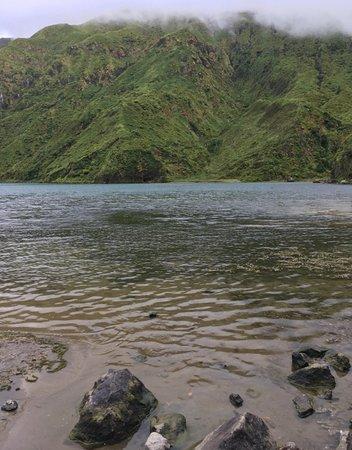 Lagoa do Fogo: sulle sponde basse del lago