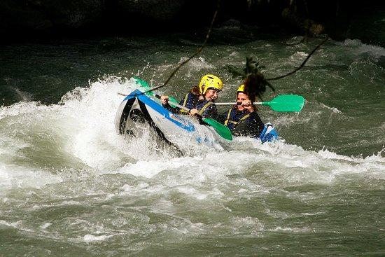 Cano Raft activité autour de Vayamundo L'Espinet Quillan
