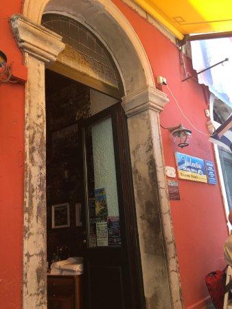 Ristorante Pizzeria Vulnetia: L'ingresso